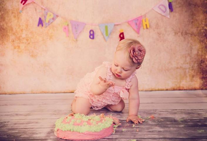 Smash the cake!